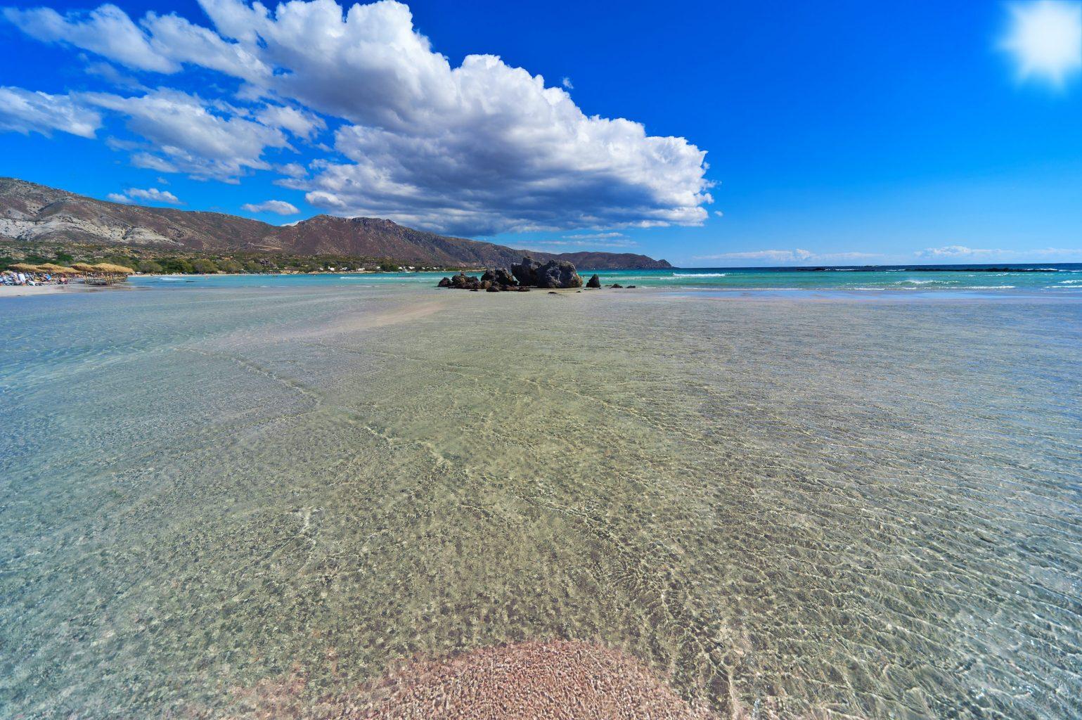 TOP plaże Grecji – niezwykłe historie w tle
