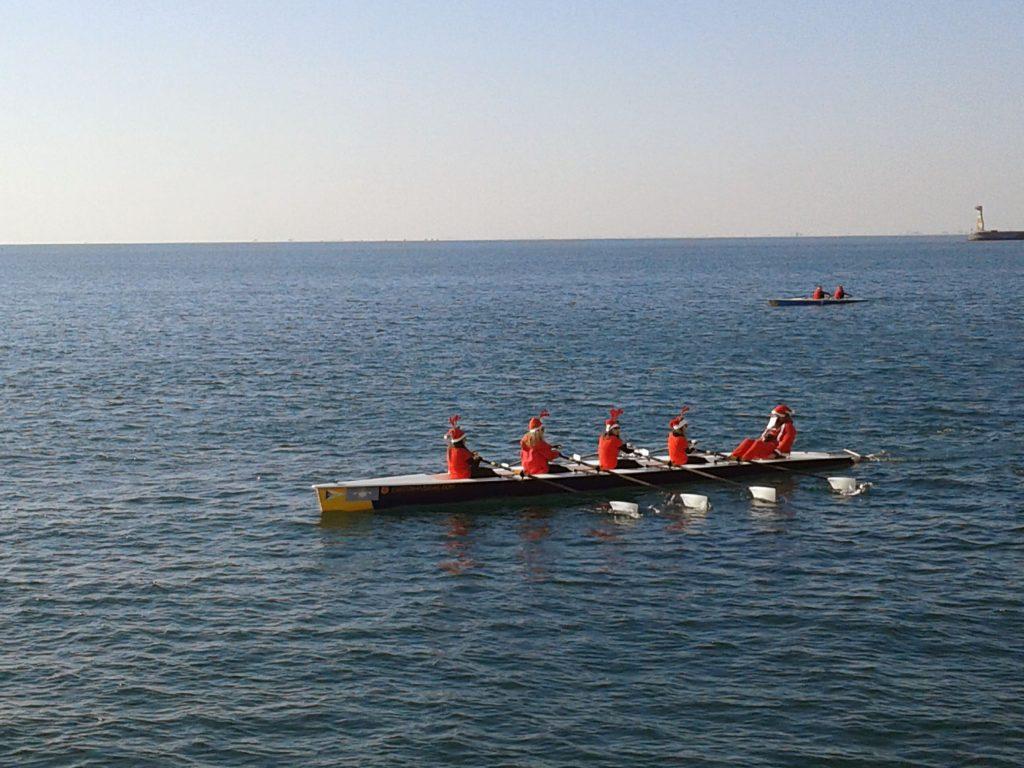 Mikołaje na morzu w Salonikach