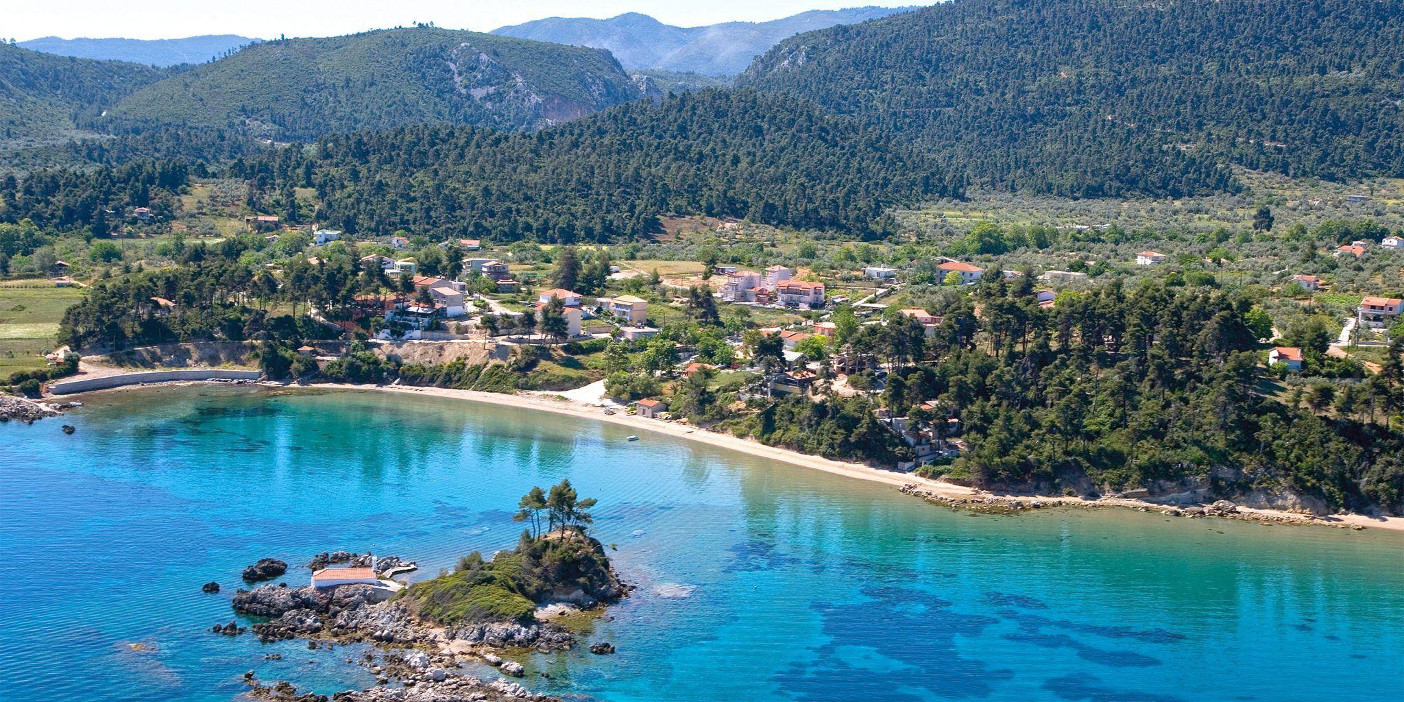 Zwiedzanie i plażowanie w jednym – Evia!