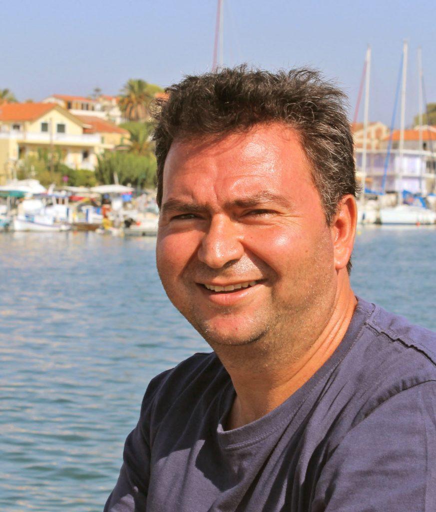 Kostas Lazaratos
