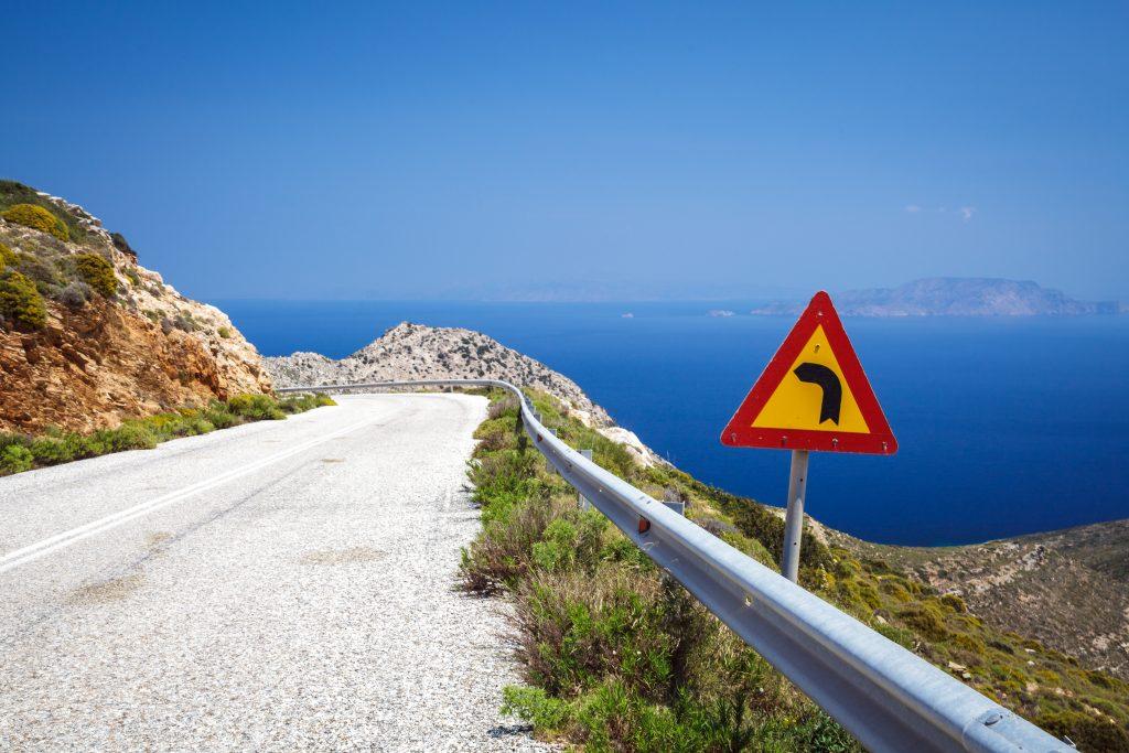 Znak drogowy w Grecji