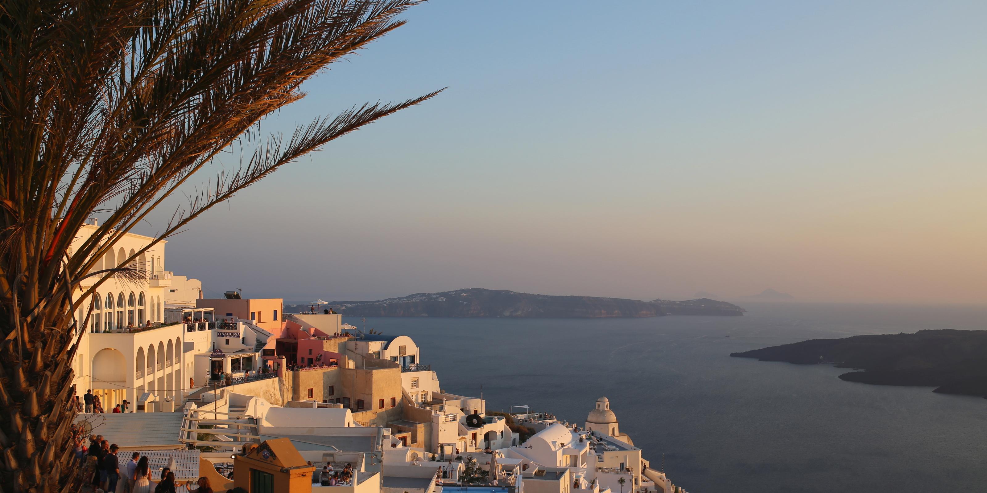 Santorini. Wyspa zakochanych. Zakochani w wyspie
