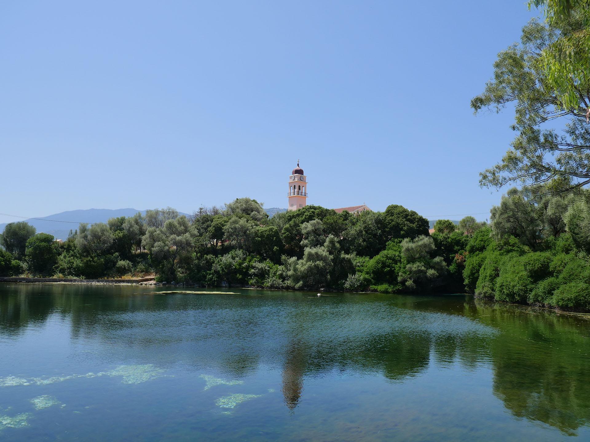Jezioro Karavomilos