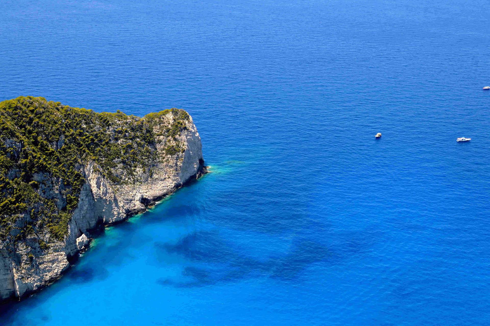 Zatoka, w której położony jest wrak statku Navagio