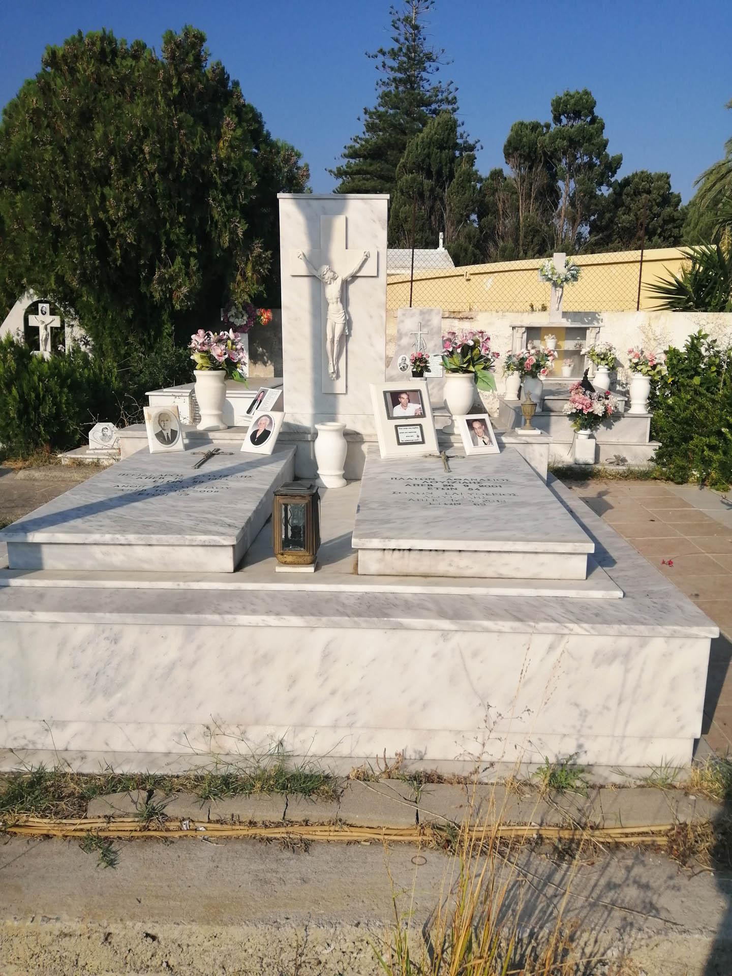 Grób na cmentarzu w Rodos